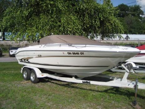 1997 Sea Ray 230 signature select
