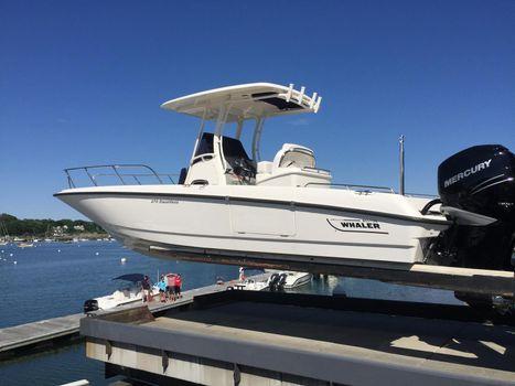 2016 Boston Whaler 270