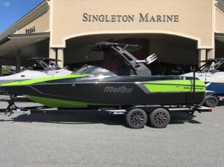 2017 Malibu Boats LLC Wakesetter 24 MXZ