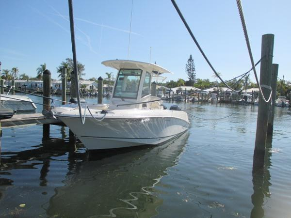 2014 Boston Whaler 25 Outrage