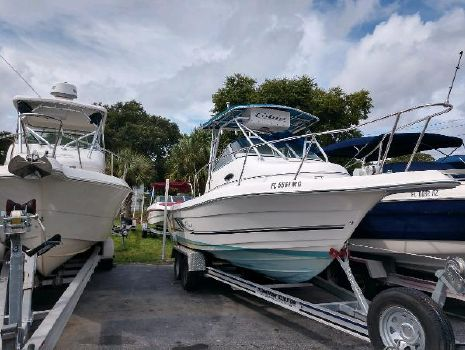2003 COBIA BOATS 230 Walk-Around