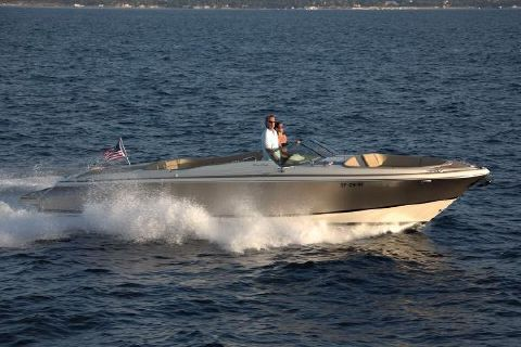 2017 Chris-Craft Launch 32 Manufacturer Provided Image