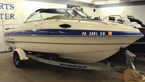 1998 OMC Sunbird 200 Cuddy