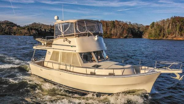 Used 2004 Mainship 390 Trawler Knoxville Tn 37920 Boattrader Com