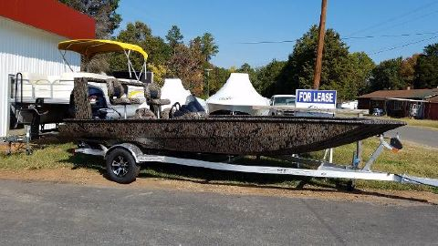 2017 Xpress XP200 Catfish w/Pods
