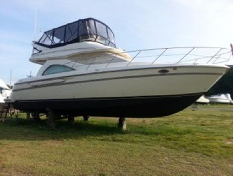 2000 Maxum 4100 SCB MD Starboard Side