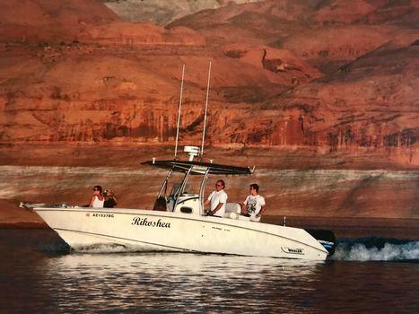 2003 Boston Whaler 270 Outrage