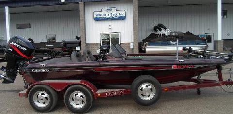 2000 Champion Boats 187 DC