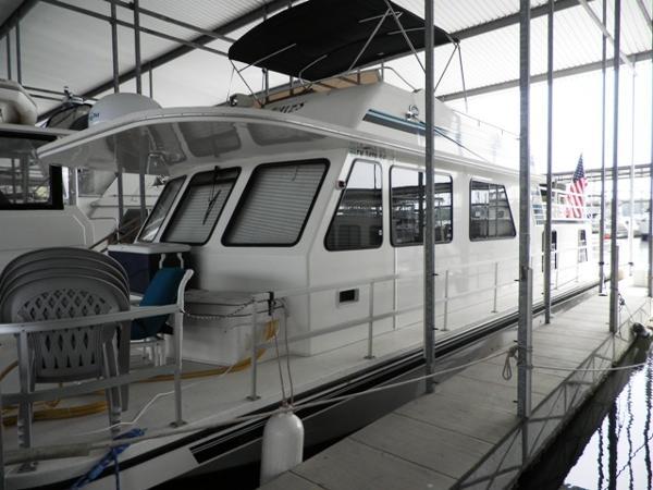 2002 Gibson 50 Cabin Yacht