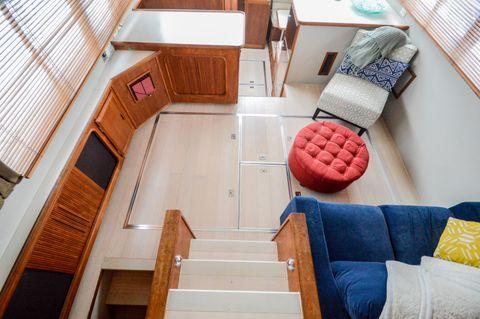 1990 Carver 38 Aft Cabin Motoryacht