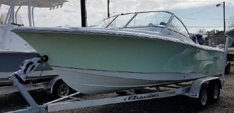 2018 SEA HUNT Escape 211 LE