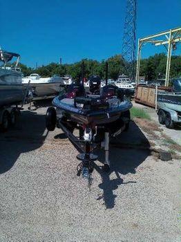 2017 Legend Boats Alpha 211R