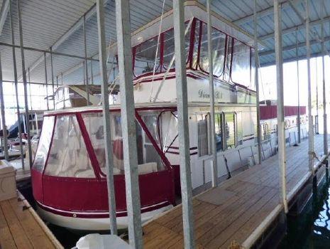 1975 Lazy Days Houseboat