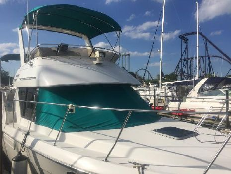 1993 Carver 300 Aft Cabin Motor Yacht 1993 Carver 30 Aft Cabin Motor Yacht for Sale by Great Lakes Boats & Brokerage 440 221 9001