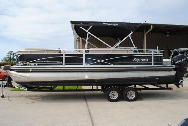 2014 Sun Tracker Regency 254 XP3