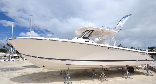 New 2019 PURSUIT S 368 Sport, Miami, Fl - 33125 - Boat Trader