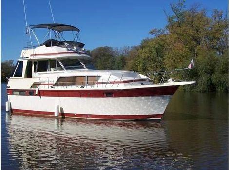 1984 Chris-Craft 410 Commander Yacht Starboard Side