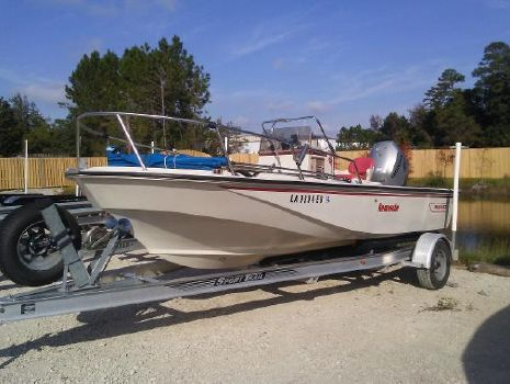 1989 BOSTON WHALER 18  Center Console