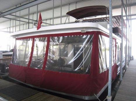 2001 SHARPE HOUSEBOATS 77 x 16 Houseboat