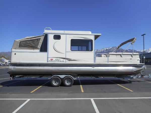 2006 Sun Tracker Party Cruiser 32