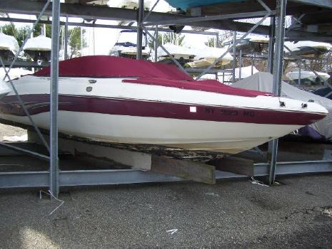 2006 Caravelle Boats 237LS Bow Rider
