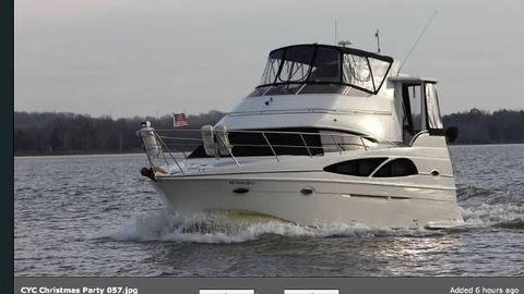 2005 Carver 36 Motor Yacht Port Bow