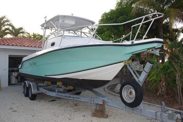 2004 Angler Boats 2500