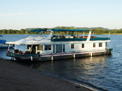 2005 Lakeview HOUSEBOAT 79 X 18 Picture #1