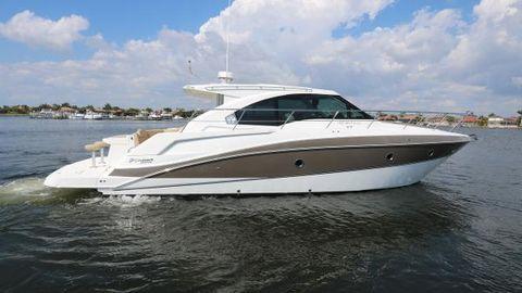2013 Cruisers Yachts 41 Cantius Profile