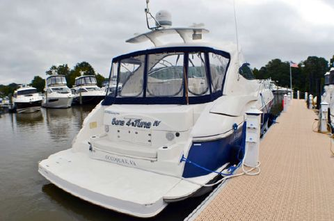 2006 Cruisers Yachts 52ft Express 520