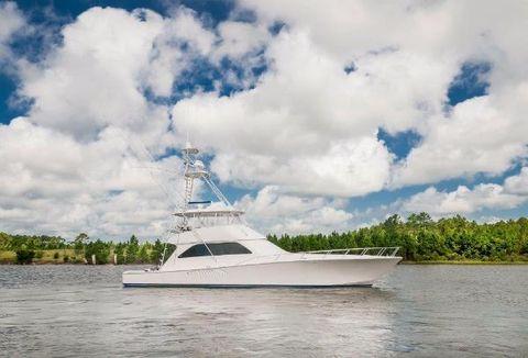 2006 Viking 68 Convertible Starboard Profile