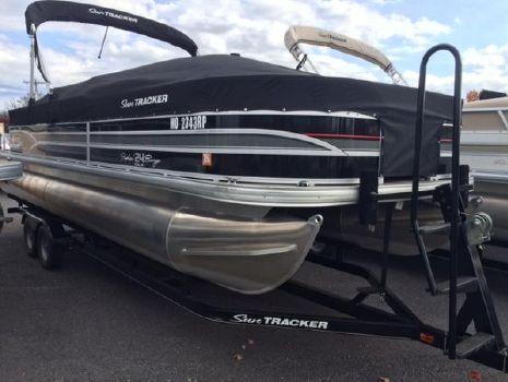 2015 Sun Tracker Fishin' Barge 24 DLX
