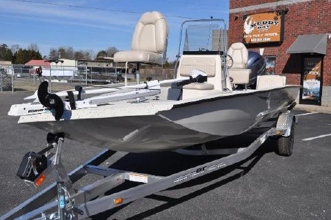 2016 Xpress H20 Bay Boat Xpress H20 Bay Boat