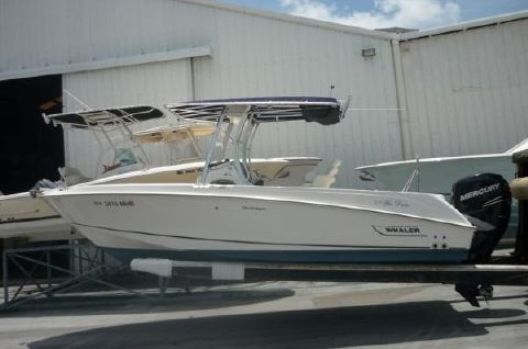 2011 Boston Whaler 22 Outrage