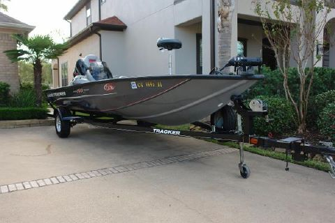 2014 Bass Tracker PRO TEAM 190
