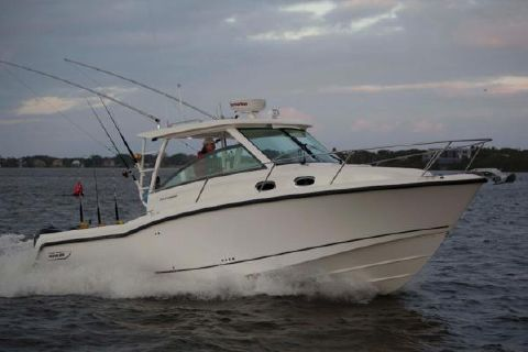 2016 Boston Whaler 315 Conquest Manufacturer Provided Image