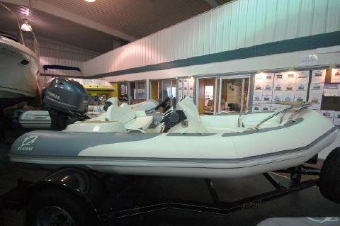 2016 Zodiac Zodiac Yachtline 380DL NEO 50hp In Stock