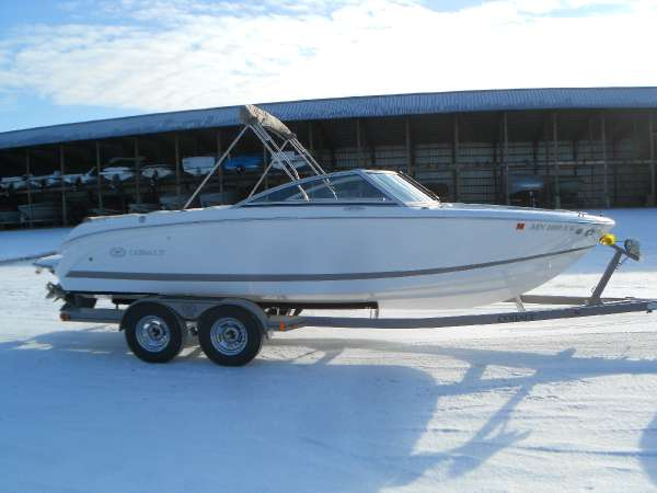 2012 cobalt boats 220 21 foot 2012 cobalt motor boat in for Used boat motors mn