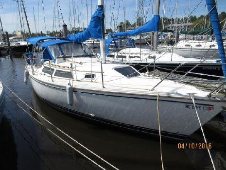 1990 Catalina 28 At The Dock