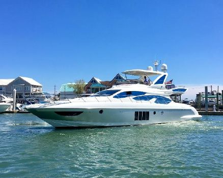 2016 Azimut 64 Flybridge DiSabella sleek profile