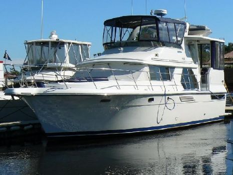 1993 Carver 440 Aft Cabin Motor Yacht Profile