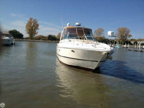 2001 Cruisers Yachts 3672 Express 2001 Cruisers 3672 Express for sale in Grafton, OH