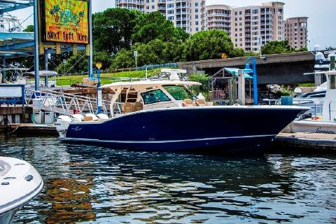 2017 Scout Boats 420 LXF