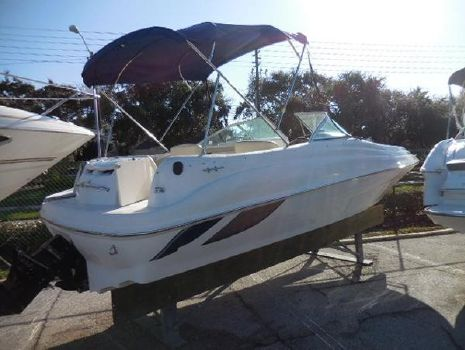 1999 SEA RAY 210 Sundeck