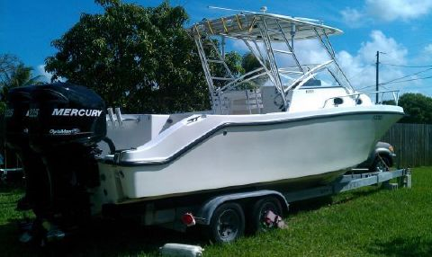2002 Mako 253 Walk Around