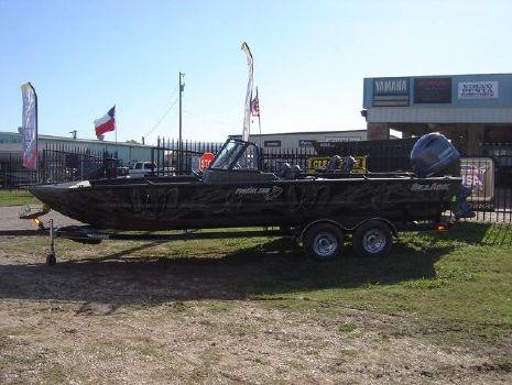 2016 Seaark Pro Cat 240
