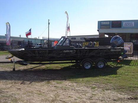 2016 Sea Ark ProCat 240