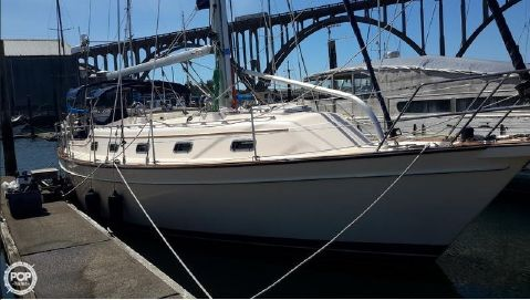 2001 Island Packet 380 2001 Island Packet 380 for sale in Newport, OR
