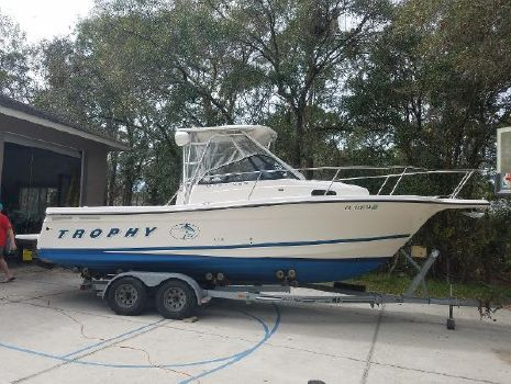 1999 BAYLINER 2352 Trophy