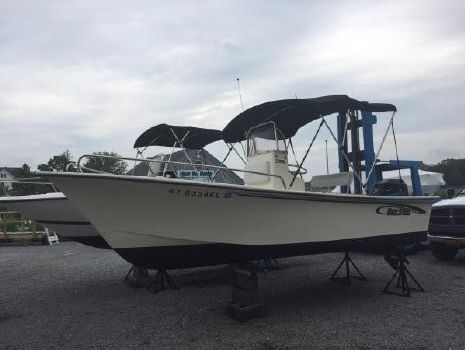 2003 May-craft 1800 Center Console